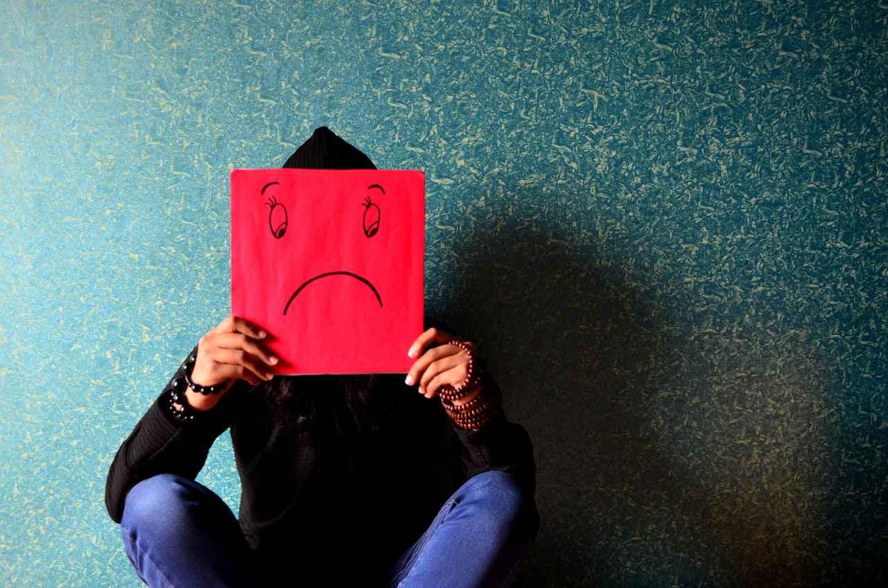 仕事を辞める時、親に伝えるべきか【結論:どちらを選択しても正解です】