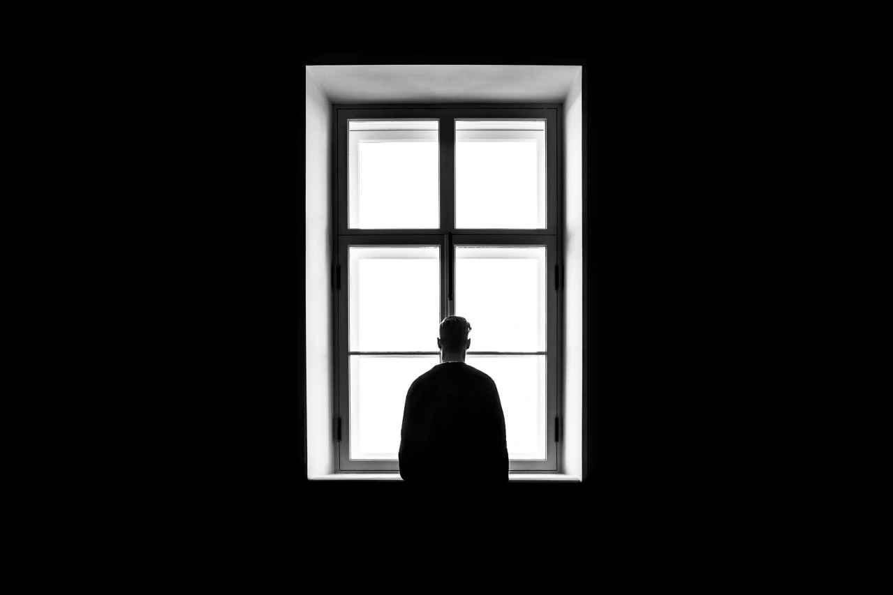 一人暮らしを限界と感じる原因とは?【対処方法も紹介】
