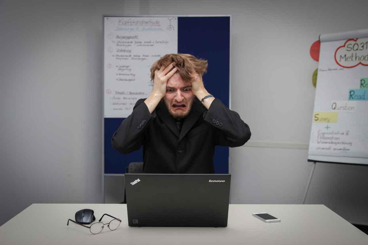 仕事で怒られる原因とは?【対処方法も紹介】