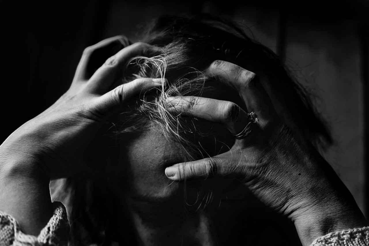 仕事でストレスが溜まる原因【解消方法も紹介】