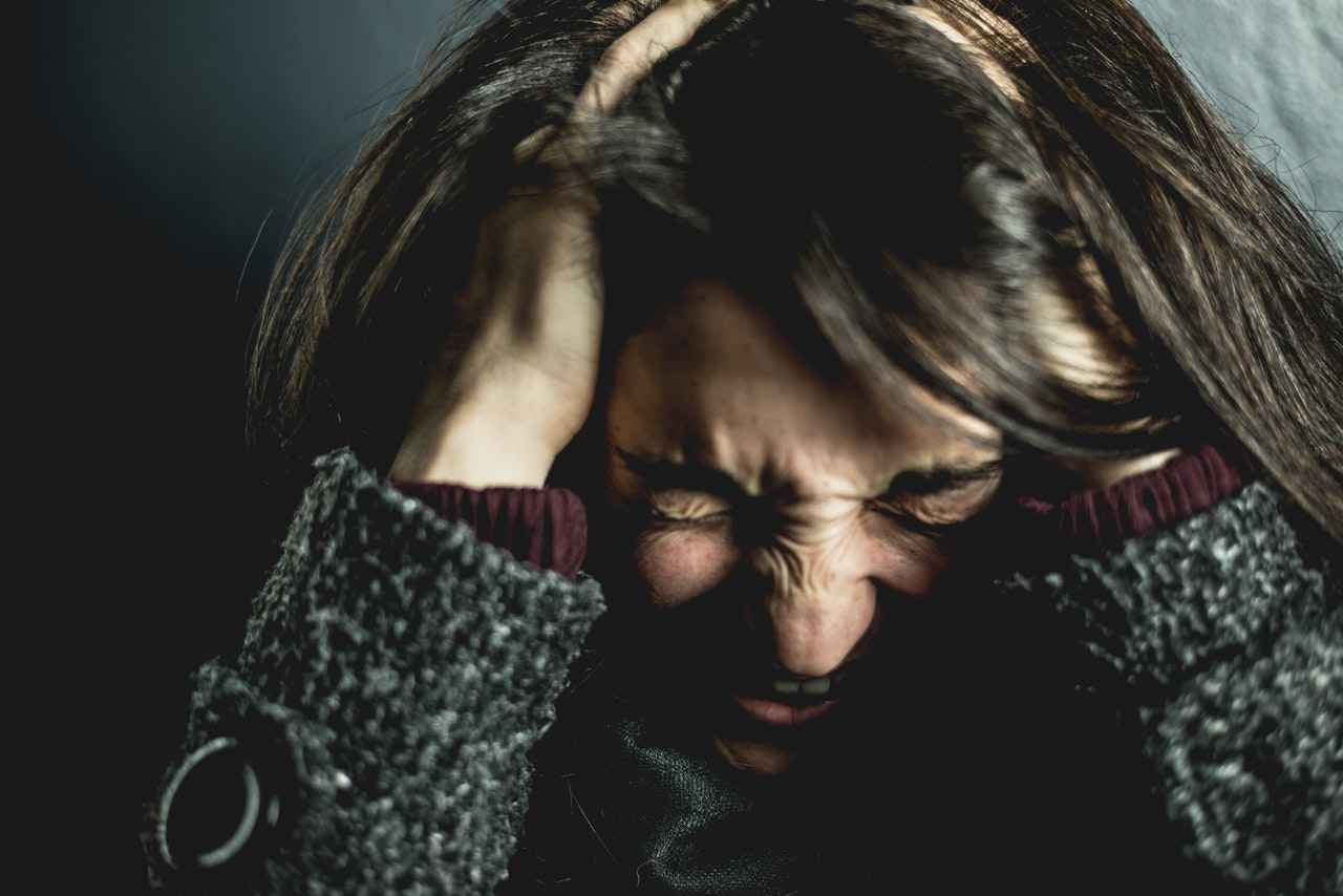 仕事で怒られてストレスを感じた時の対処方法