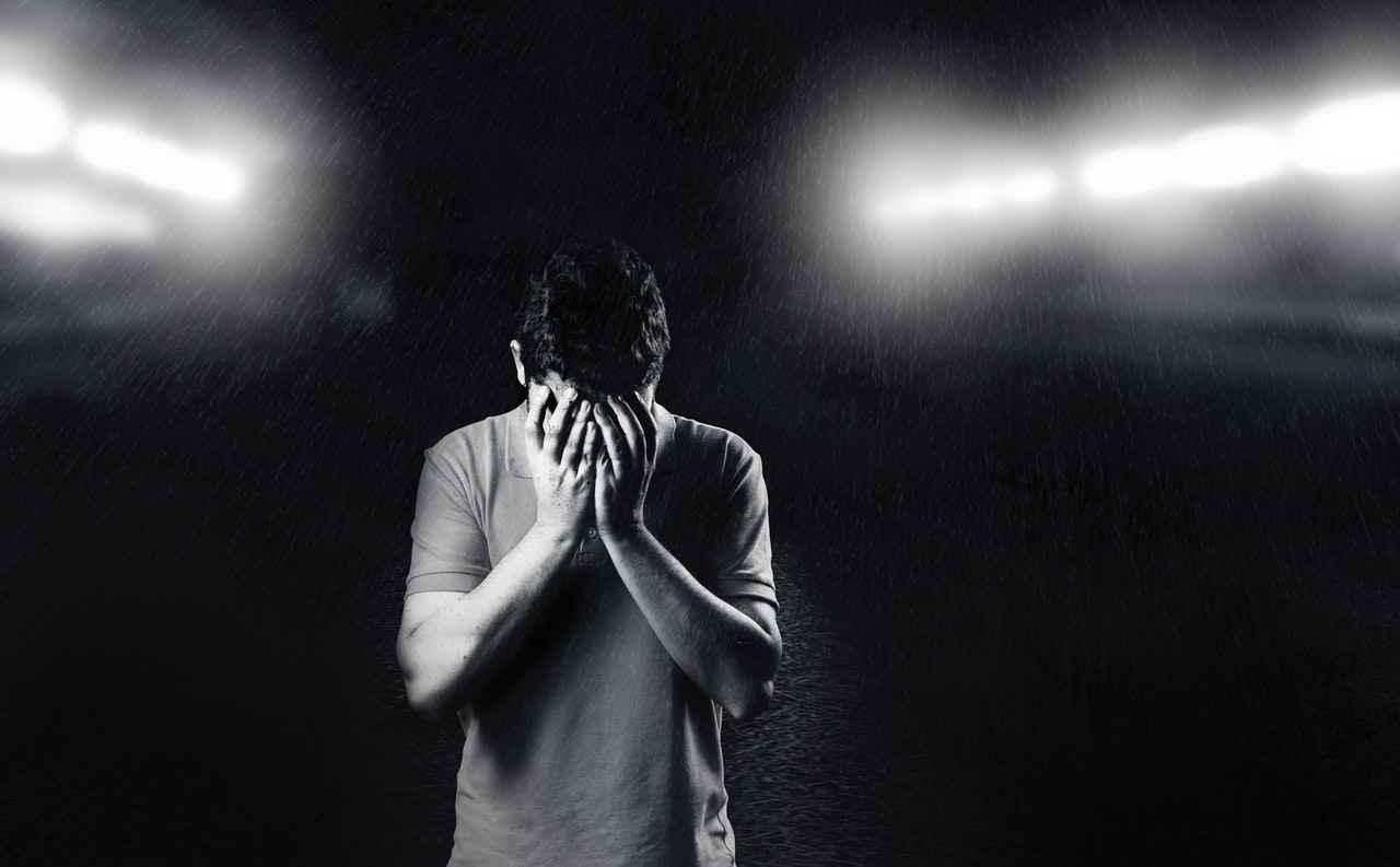 一人暮らしでストレスが溜まる原因【対処方法も紹介】