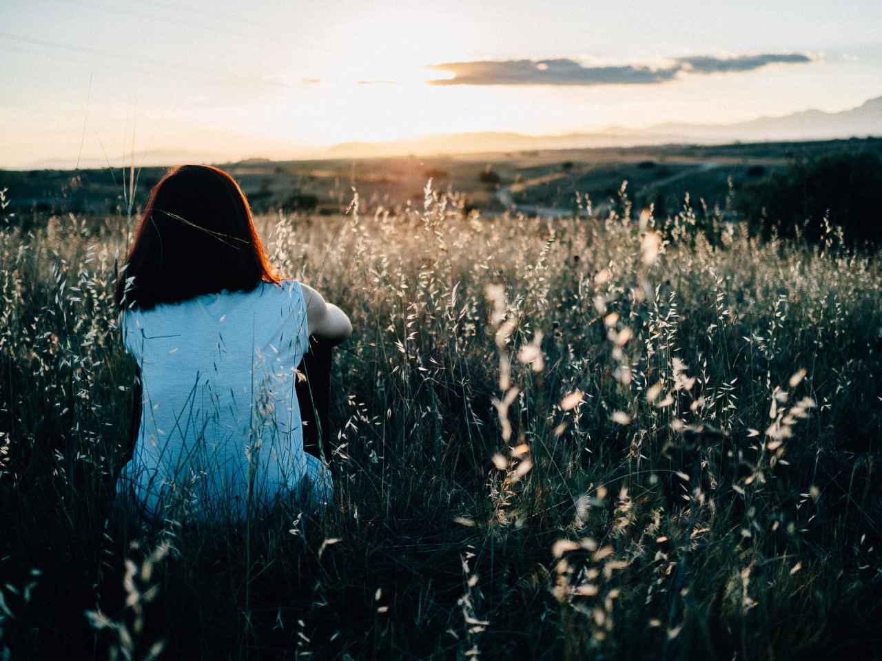 孤独感が強く寂しくなる原因とは?【対処方法も紹介】