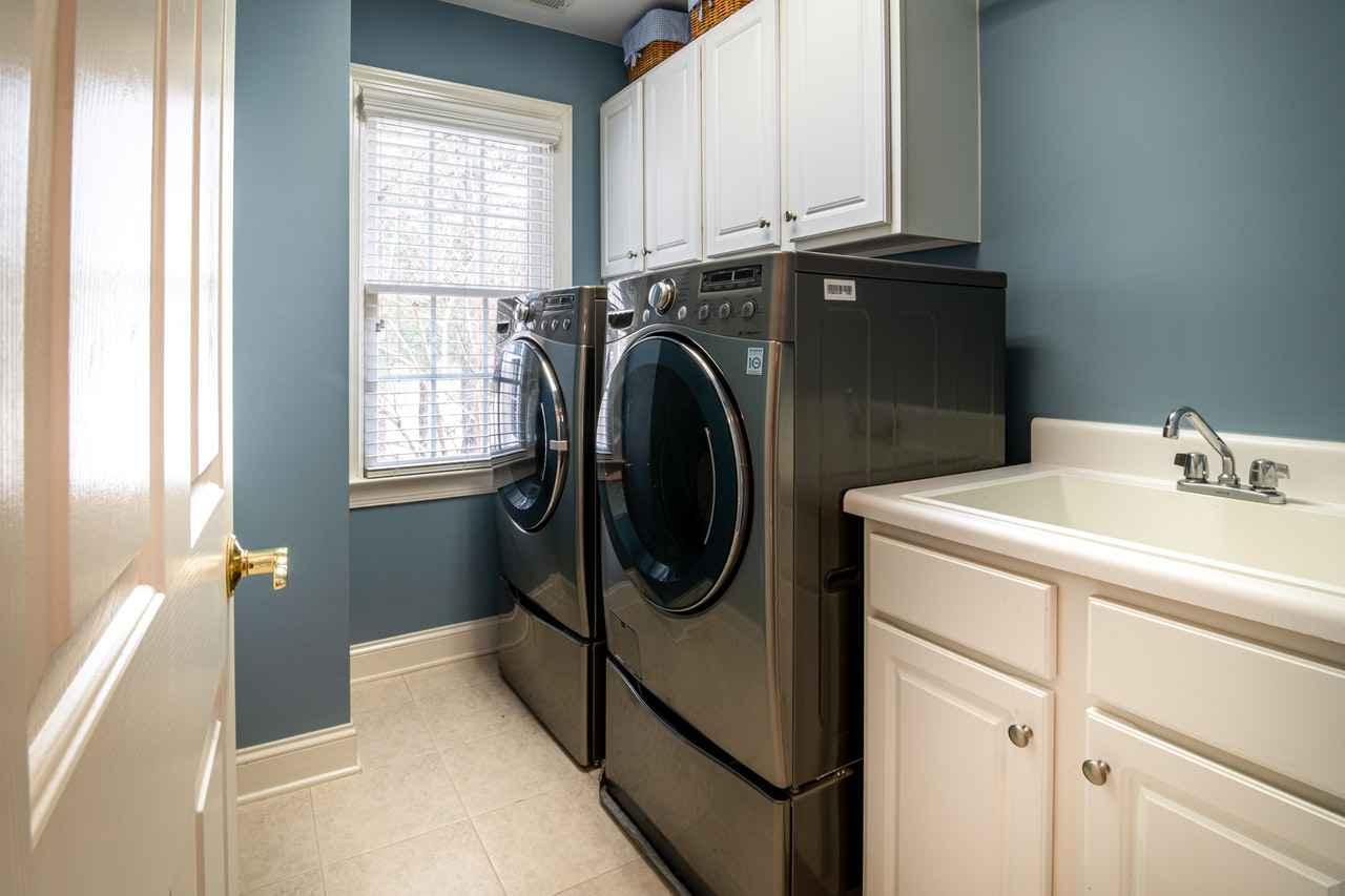 一人暮らしで使える乾燥機付き洗濯機3選【選ぶコツも紹介】