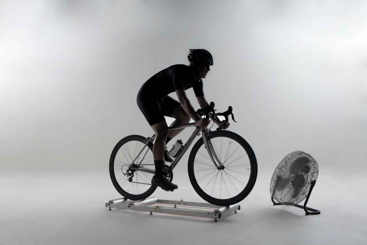 静かにできるロードバイク室内トレーニング【方法は1択】