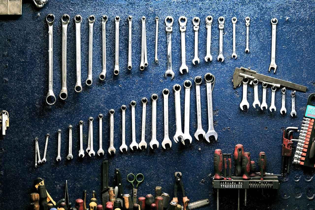 2:メンテナンスに必要な工具とは?