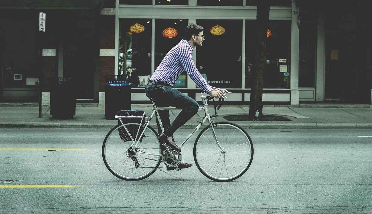 1:ロードバイクで街乗りは不便です【理由を解説】