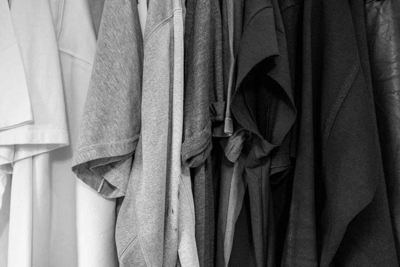 「服が捨てられない…」←損しています【服の処理方法教えます】